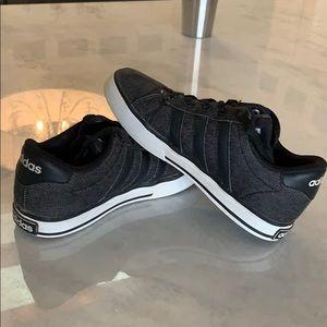 Boys Adidas Sneaker Size 1.5